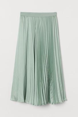 H&M Pleated satin skirt