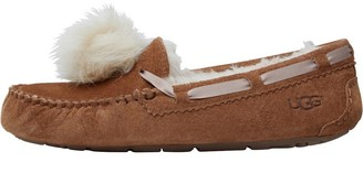 UGG Womens Dakota Pom Pom Slippers Chestnut