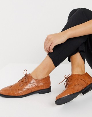 ASOS DESIGN More flat lace up shoes in tan croc