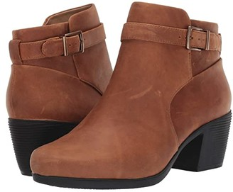 Clarks Un Lindel Lo (Dark Tan Oily Leather) Women's Boots