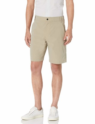 "Amazon Essentials Men's Standard Regular-Fit Hybrid Tech 9"" Short"