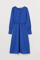 H&M Knee-length Satin Dress