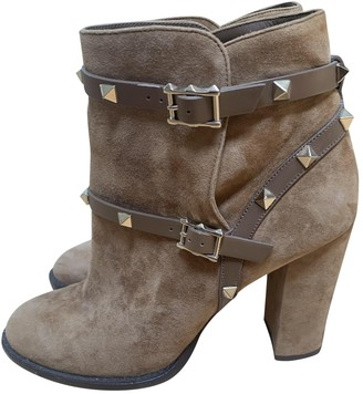 Valentino Rockstud Camel Suede Ankle boots