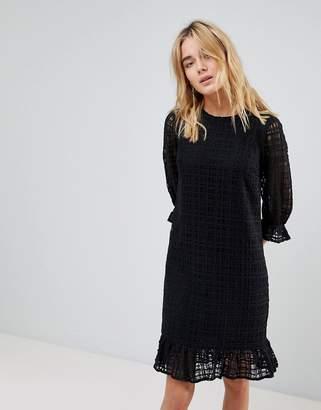LIRA Y.A.S Fluted 3/4 Sleeve Shift Dress