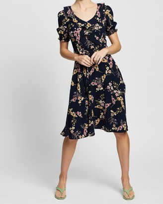 Review Melinda Floral Dress