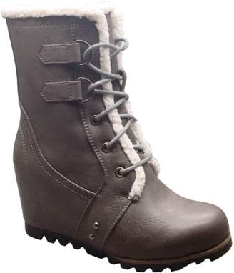 Time and Tru Women's Wedge Winter Boot