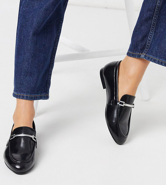 ASOS DESIGN Wide Fit Mariot leather chain loafers in black