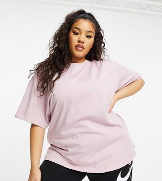 Nike Plus Essentials boyfriend t-shirt in pink