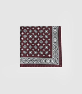 Reiss LUIS MEDALLION PRINTED SILK POCKET SQUARE Bordeaux