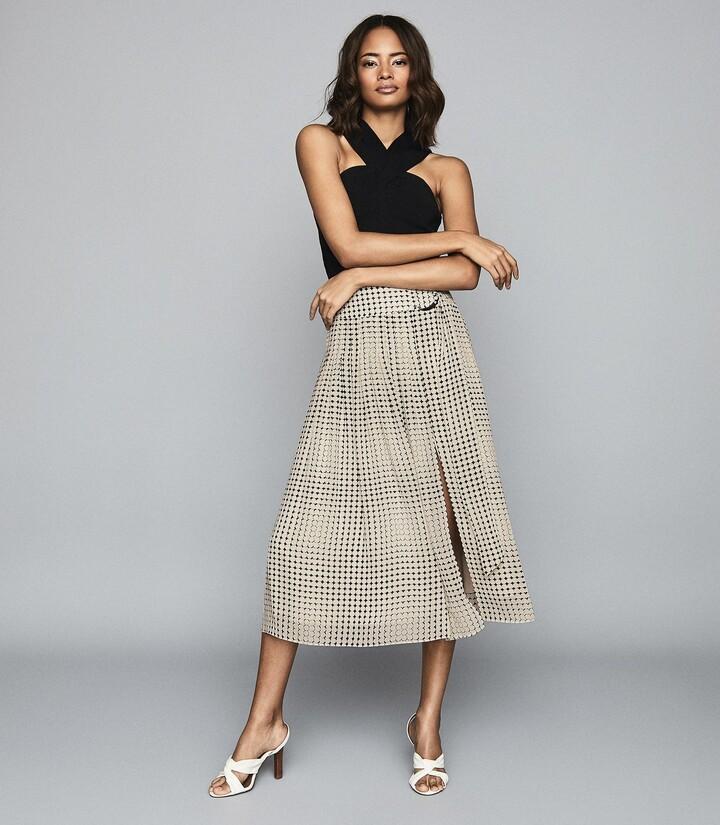 Reiss Jorja - Pleated Skirt With D-ring Belt in Black/White