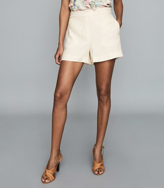 Reiss LANA TEXTURED TAILORED SHORTS White