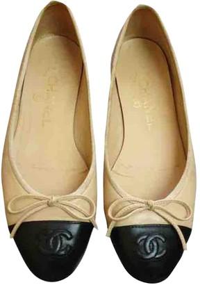 Chanel Beige / Black Leather Ballet flats
