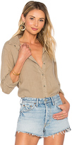 Bella Dahl Fray Hem Button Down in Brown. - size L (also in M,S,XS)