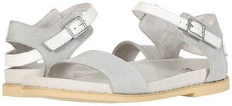Earth Cameo (Silver Grey Soft Buck/White Alyssum Natural Soft) Women's Sandals