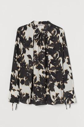 H&M Tie-detail Blouse