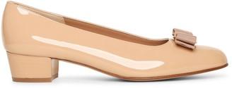 Salvatore Ferragamo Vara bow patent beige pumps