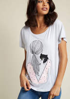 I Got Your Back Anytime you need a snuggle, your furry friend is there for you - and it's that exact warm, fuzzy feeling that this light heather grey tee conveys! With seamless short sleeves and a black-and-pink screen print of a gal cuddling a yellow-eyed kitten, this M