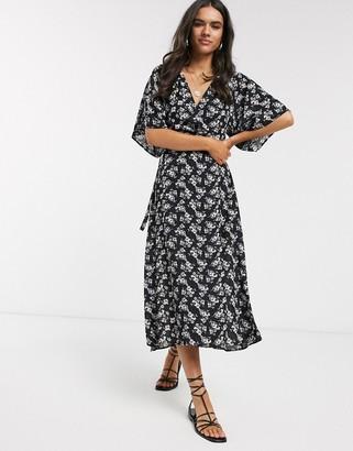 Liquorish midi dress with split front in ditsy floral print-Black