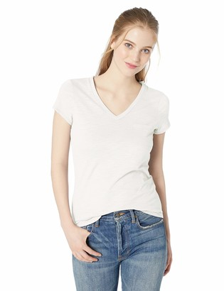 Daily Ritual Amazon Brand Women's Lightweight Lived-in Cotton Pocket V-Neck T-Shirt
