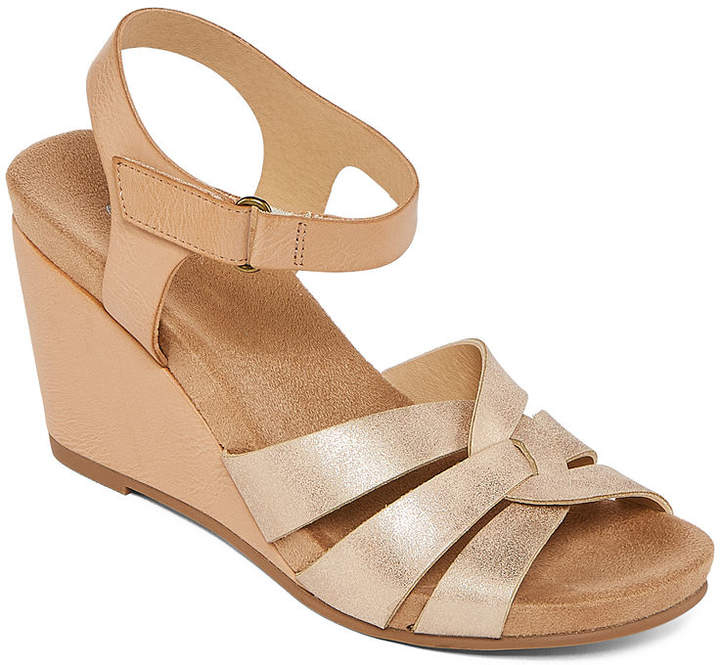 db50905c1db CL BY LAUNDRY CL by Laundry Womens Tobie Wedge Sandals