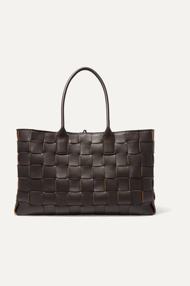 Bottega Veneta Cabas Medium Intrecciato Leather Tote - Brown