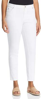 Vince Camuto Plus Straight Leg Jeans in Ultra White