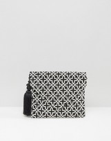 Glamorous Envelope Geometic Clutch Bag with Pom