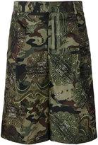 Givenchy camouflage print Bermuda shorts - men - Polyamide/Cupro - 48