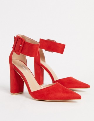 Glamorous buckle block heeled court shoe in red