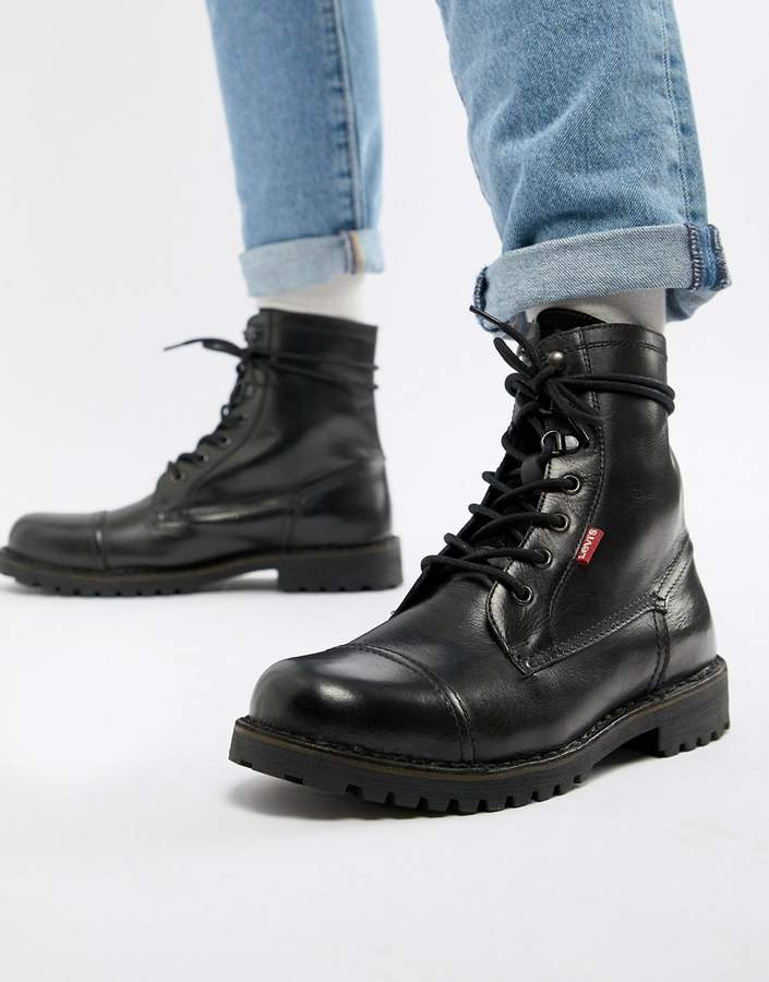 Levi's leavit leather boot in black