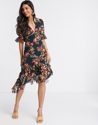 Hope & Ivy fluted sleeve midi dress with cut out back