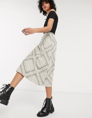 Emory Park 90's midi skirt in tonal paisley