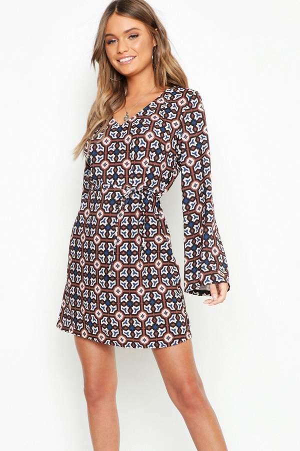 8dbc988d1ebe boohoo Print Shift Dresses - ShopStyle