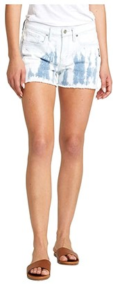 Silver Jeans Co. Not Your Boyfriend's Mid-Rise Tie-Dye Shorts L27513RCS149 (Indigo) Women's Shorts