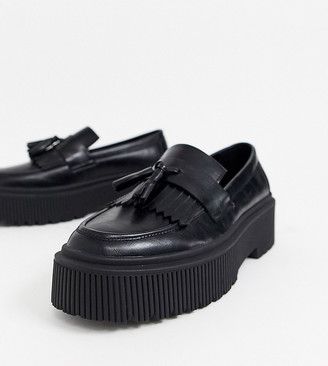 Asos Design DESIGN Wide Fit loafers in black faux leather with chunky sole and tassel