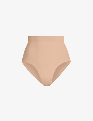 SKIMS Ladies Beige Matte Kim Kardashian West Sculpt Mid Waist Brief, Size: XXS/XS
