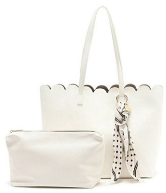 UN Billion Scalloped Edge Tote - Genna