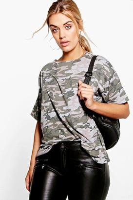 boohoo Plus Camo Oversize T-Shirt