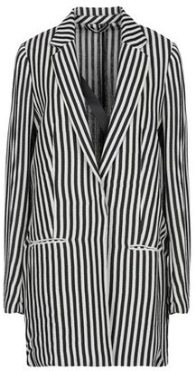 Costume Nemutso Overcoat