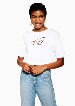Tommy Hilfiger Womens Cropped Rainbow Logo T-Shirt By Tommy Jeans - White