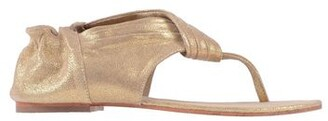 Mes Demoiselles Toe post sandal
