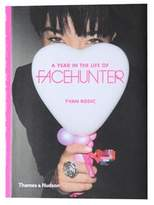 Random House A YEAR IN THE LIFE OF FACE HUNTER BOOK