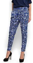 Diffused printed trousers
