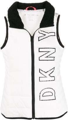 DKNY logo print gilet