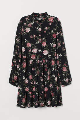 H&M Dress with a stand-up collar