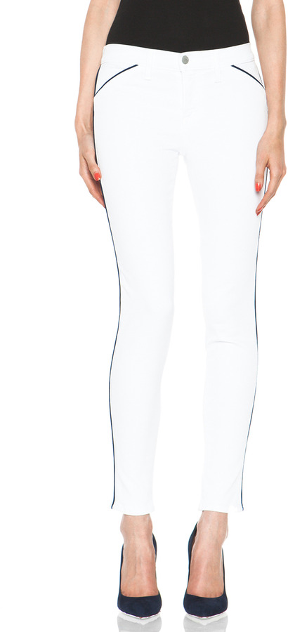 J Brand Skinny with Navy Piping in Blanc
