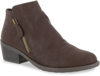 Easy Street Shoes Gusto Women's Ankle Boots