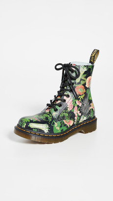 Dr. Martens 1460 Pascal WB 8 Eye Boots