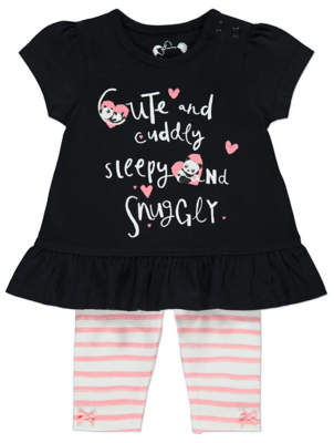 George Slogan T-shirt and Leggings Outfit