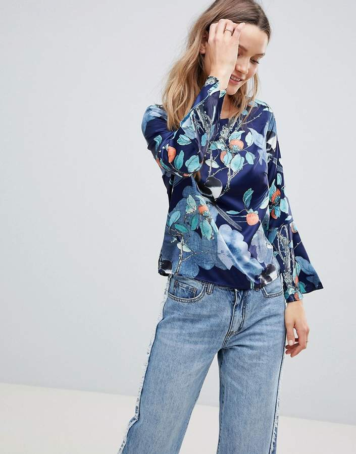 Lavand Floral Shell Top